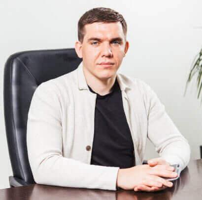 Олег Хренов